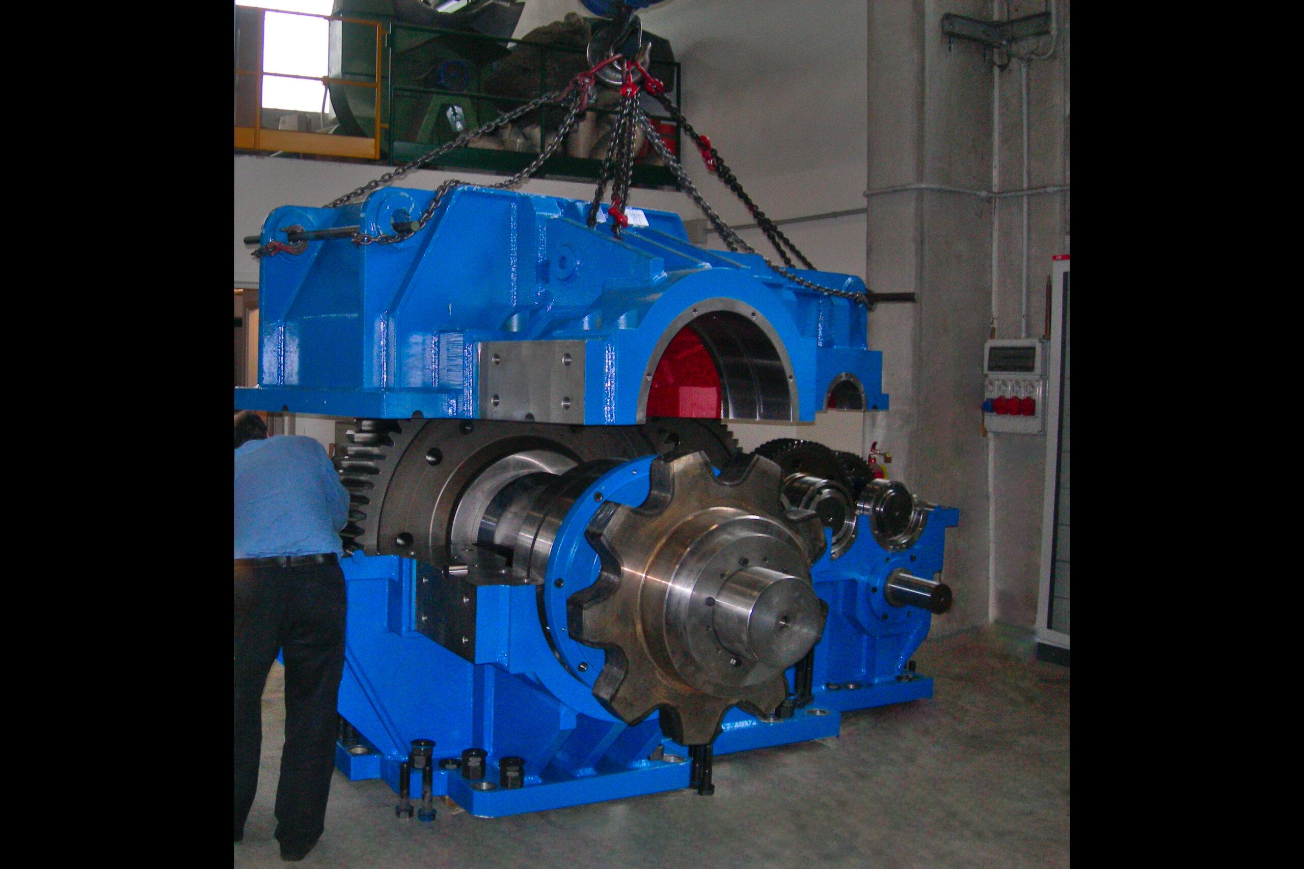montaggio-riduttore-per-trafila-tubi